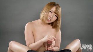 Fカップ巨乳リオちゃんの手コキパイズリ Handjob Japanの無修正動画