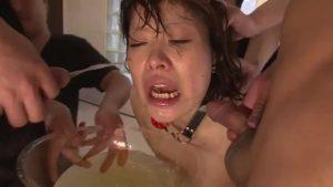 【濃厚精子大量中出し】小便シャワーと複数イラマチオに嘔吐、Tokyo-Hotの無修正動画
